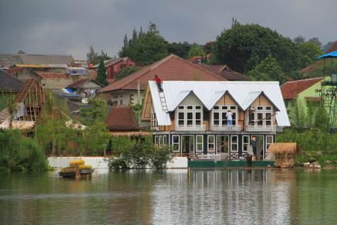 1-lembang-floating-market